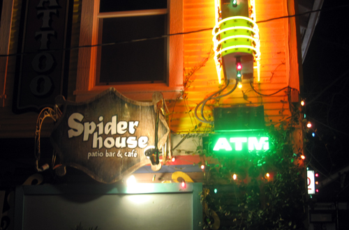 spider house sign