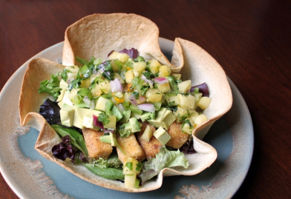 taco salad pineapple salsa