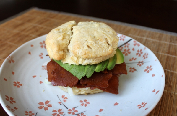 bacon_seitan_biscuit